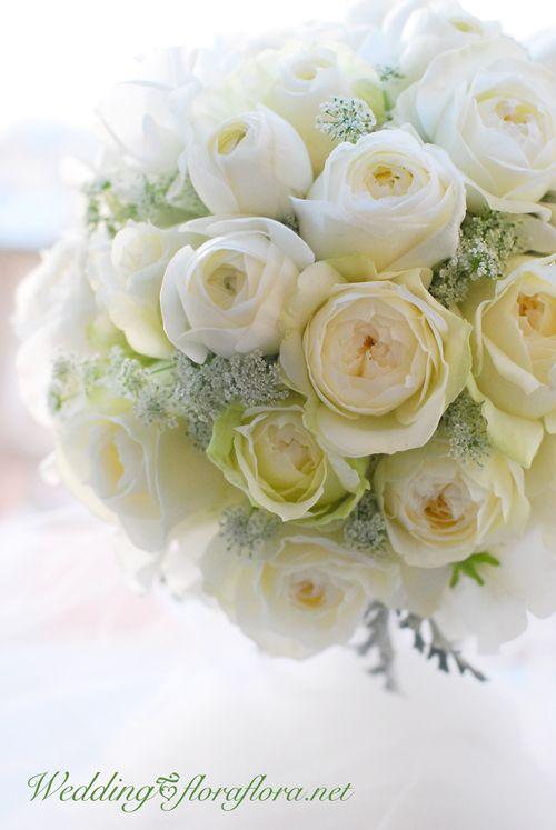 """真っ白い気持ちで… バラ""""ブルジョン・ドゥ・レーブ""""やラナンキュラスのラウンドブーケ delivered to 目黒雅叙園様 : Bridal  / Wedding round bouquet / roses, ranunculus and so on…… TOKYO 東京 FLORAFLORA*precious flowers*ウェディングブーケ会場装花&フラワースクール*"""