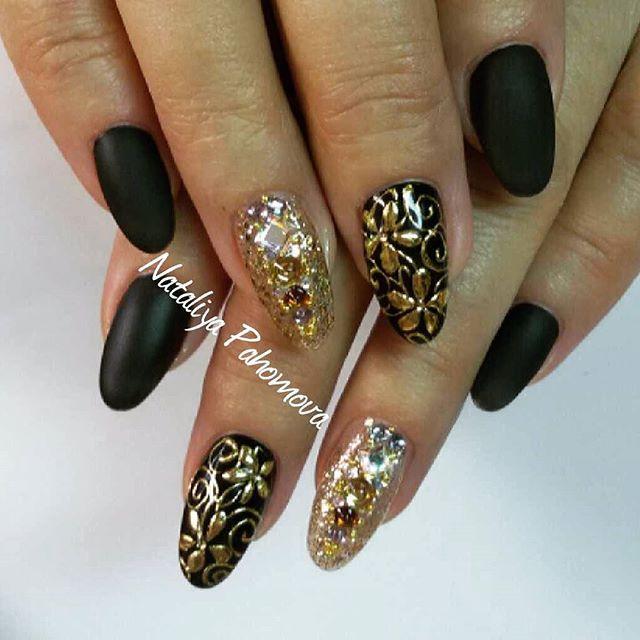 Instagram media pahomova_nogti - Натуральные ногти,укрепление акрилом EzFlow, гель - лак ibd, #glossemi