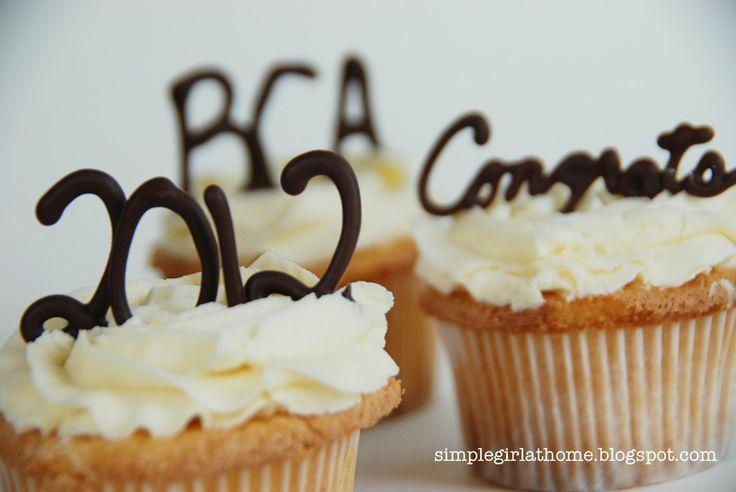 Graduation Cupcakes & Cakes