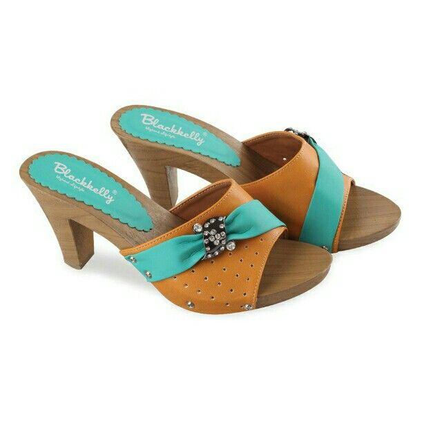 Open Order High heels branded Indonesia Blackkelly  #sepatuwanitakeren #sepatuwanitamurah #sepatuwanitabandung #blackkelly #blackkellyshoes #blackkellywanita Temukan High Heels / Wedges - LIA 590 seharga Rp 148.000. Dapatkan sekarang juga di Shopee! http://shopee.co.id/jimbluk/73568978 Untuk pesanan langsung hubungi WA: 081285793187 Line Id : jimbluk FP : @jimolsbogor IG : @jim_ols Insya Allah Amanah....