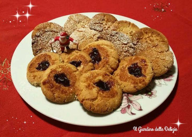 Biscotti+farina+di+mandorle+ed+amaretti