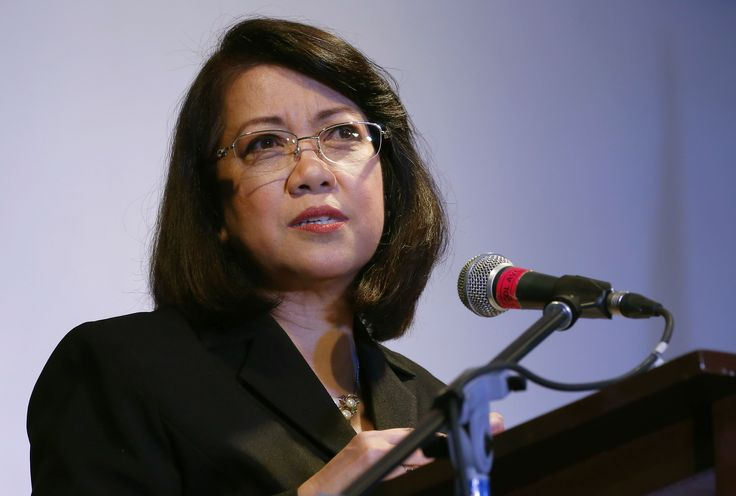 Filipino chief justice asks people to fight authoritarianism