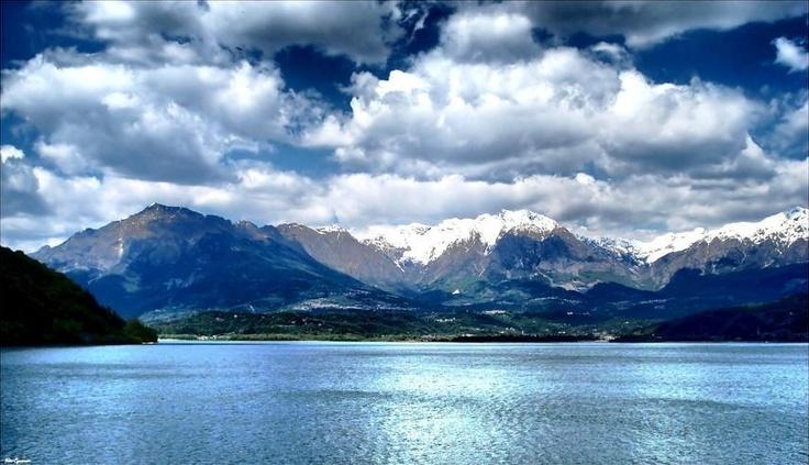 Lago di Santa Croce Alpago Belluno Dolomiti Veneto Italia