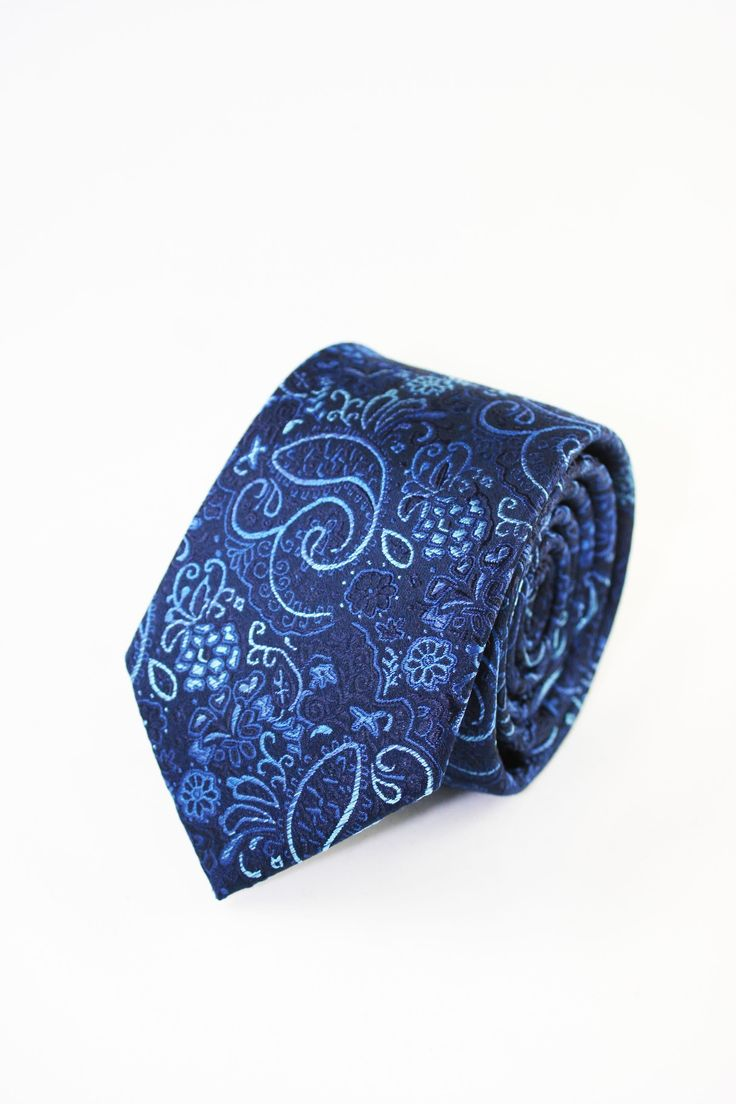 https://www.corbatasygemelos.es/corbatas-color/944-corbatas-martinno-cachemir-azul.html