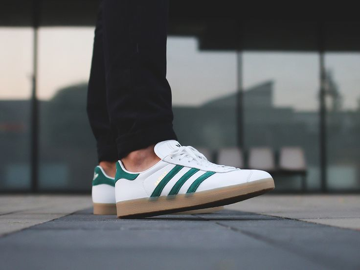 http://www.landaustore.co.uk/blog/wp-content/uploads/2016/11/Adidas-Trainers-Mens-Gazelle-Leather-Vintage-White-Collegiate-Green-1024x768.jpg  Adidas Gazelle Leather Vintage White Collegiate Green Men's Trainers  http://www.landaustore.co.uk/blog/footwear/adidas-gazelle-leather-vintage-white-collegiate-green-mens-trainers/