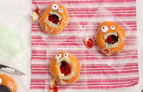 Who knew Zombie donuts could be so much fun to make. They are simple to make by adding some vampire teeth and a few royal icing eyes. Perfect for your little gobblins!