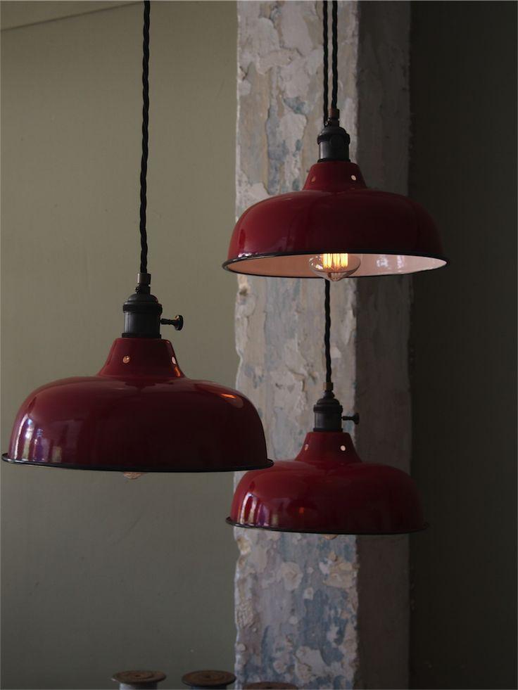 les 25 meilleures id es de la cat gorie abat jour rouge sur pinterest boule deco cr ation de. Black Bedroom Furniture Sets. Home Design Ideas