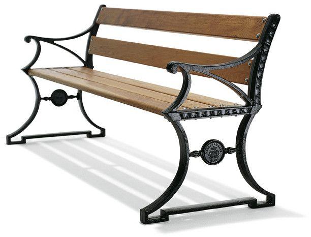 Trädgårdsbord Spånhult - Klassiskt utomhusbord efter en modell från tidigt 1900-tal. Välkommen in till Sekelskifte och våra trädgårdsmöbler i klassisk stil!