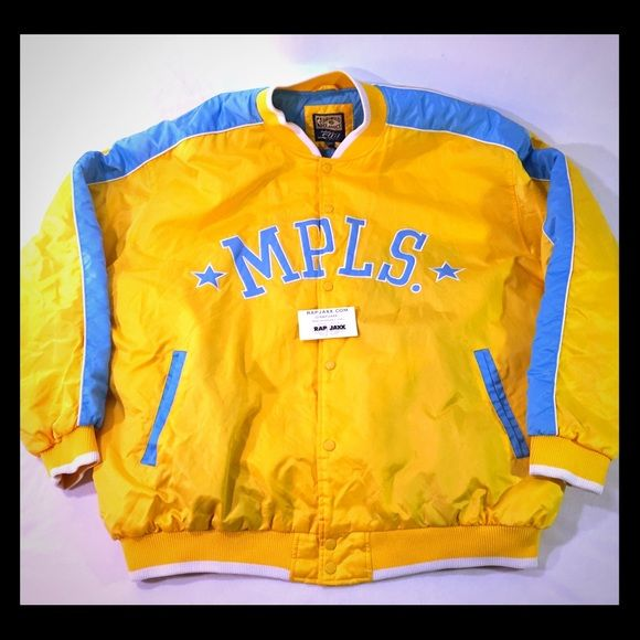 Vintage Minneapolis Los Angeles Lakers jacket XXL Vintage Minneapolis Los Angeles Lakers jacket XXL fits generously. Satin jacket with colorblock panels in yellow gold & fully Embroidered back. Two front pockets & interior pocket. Quilted lining in baby blue. Authentic VTG from the 80s & 90s starter jacket era. Excellent mint condition with little to no signs of wear. Features MPLS Minneapolis Minnesota Lakers NBA basketball team from back in the day. Bomber coat style with ribbed cuffs and…