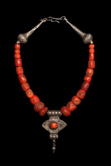 """Spectacular old coral necklace combined with silver Yemeni beads and amulet 16"""""""