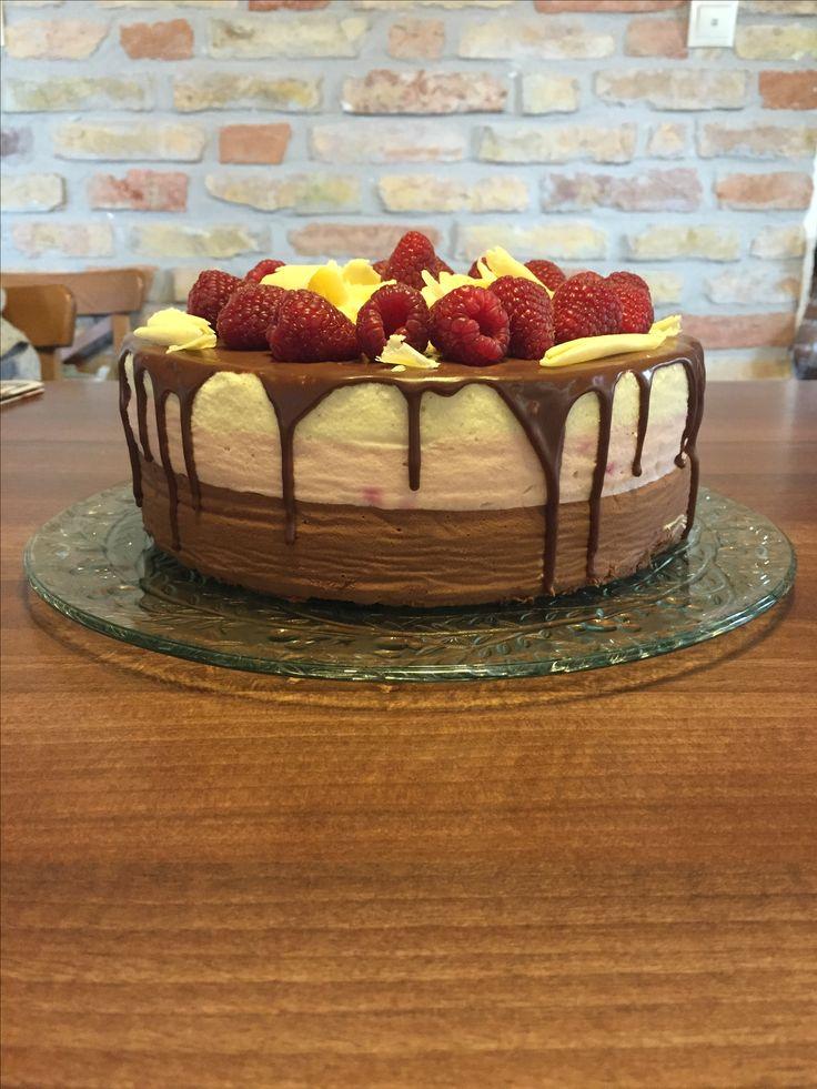 Szülinapi torta-málna és csoki mousse