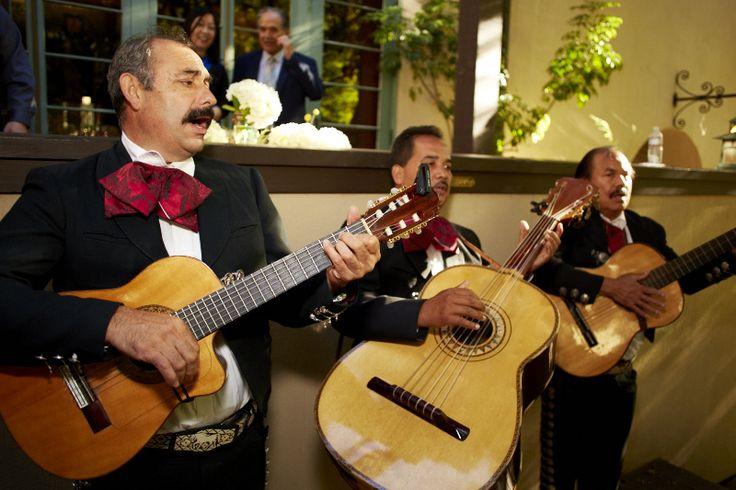 The Mariachi Band serenades the Cocktail Hour attendees