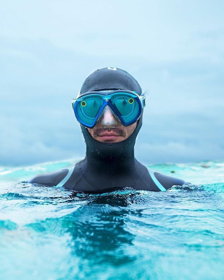 the seeseaker mask lets you snap while underwater, giving those above the surface a unique perspective into the intriguing underwater world of marine life.