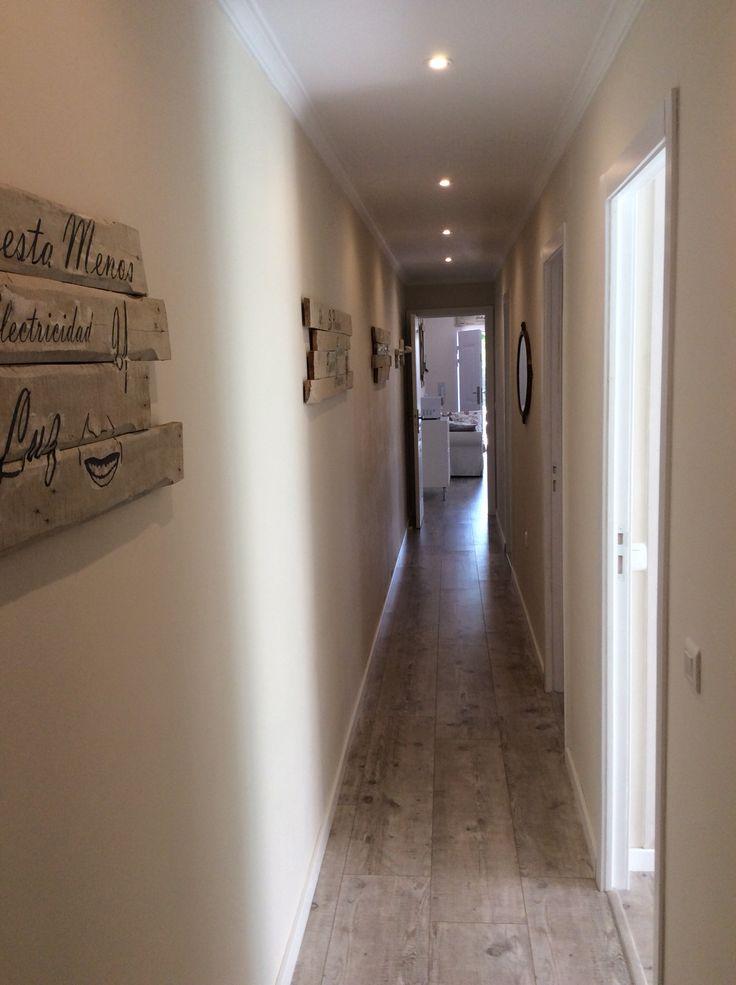 15 best zonas de paso y pasillos en casa decor images on - Cuadros para pasillos largos ...