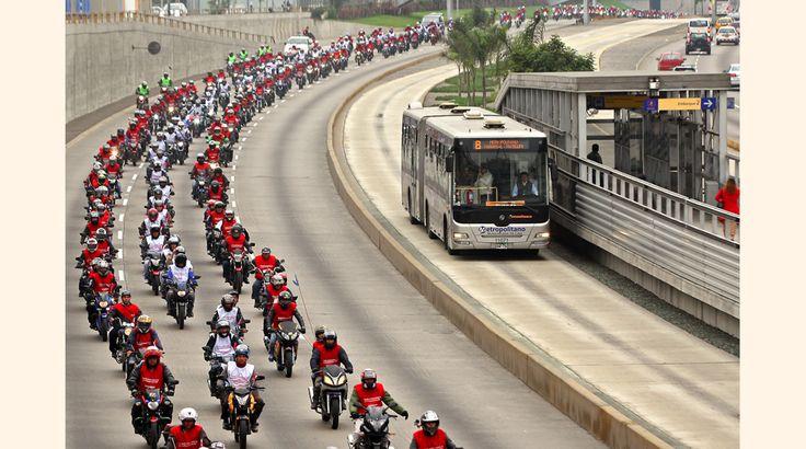 Un vistazo al desfile de cientos de motociclistas por las calles de Lima #Gestion