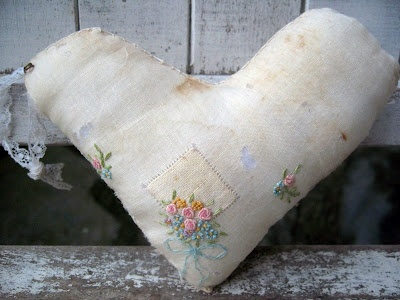 sweet: Stitches Heart, Needlework Beautiful, Arts Embroidery Rugs, Heart Creations, Heart Valentines, Beautiful Heart, Needle Pull, Pillows, Heart Xxx