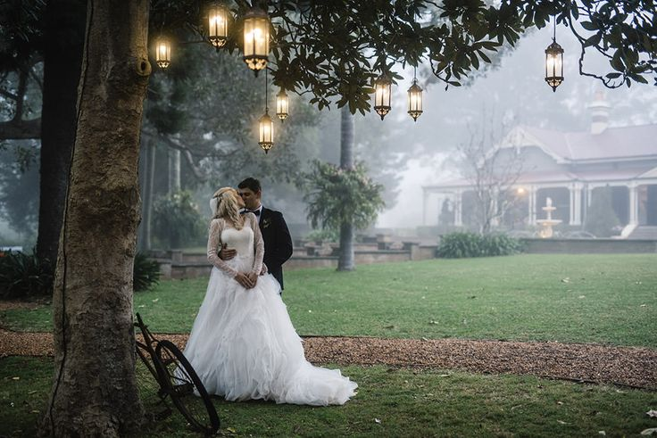 Gabbinbar Homestead Toowoomba. So many great wedding photo locations around the property, like under the figtree on a foggy winters day pictured here.  Photo : Brisbane wedding photographer, Deb Boots Love Stories www.debboots.com.au