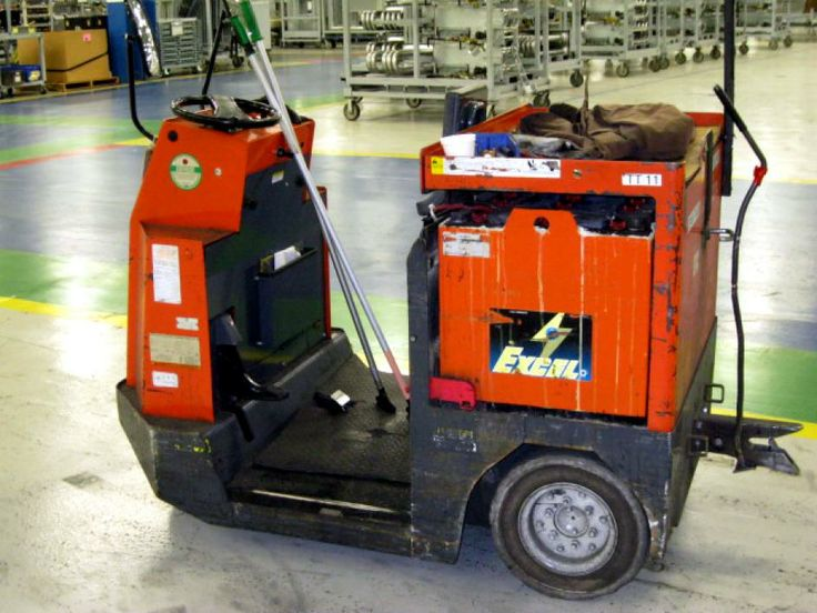 Toyota Model Cbty4 Electric Tow Tractor Stand Up Tugger