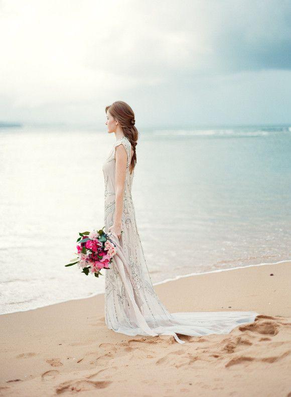 Coastal Bride and Bridesmaid Inspiration | Wedding Sparrow | Love Note Photography