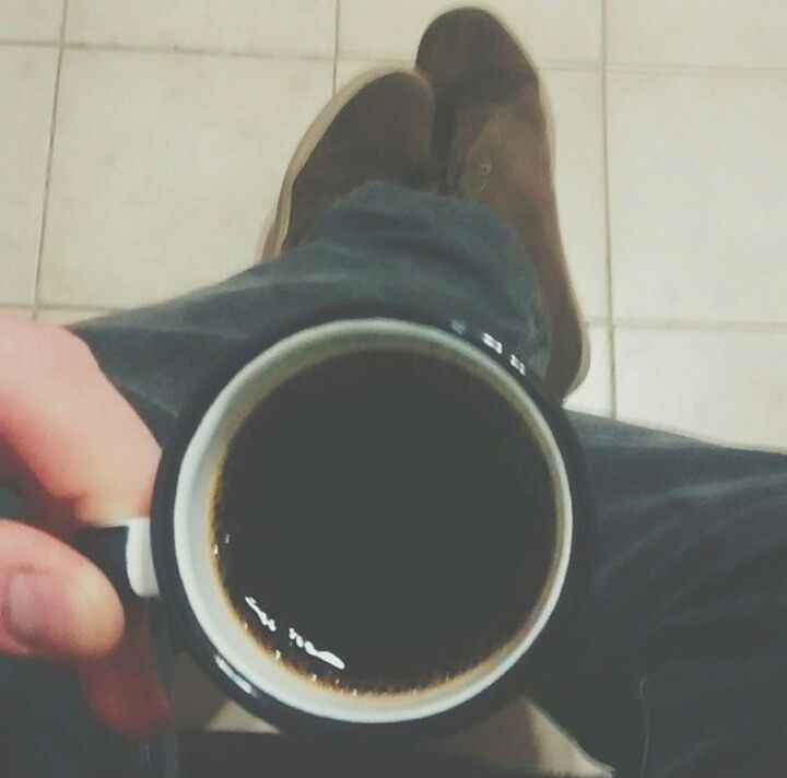 Good coffee morning  #coffeeadict #coffeeaddiction #coffeeaddicts #cafeamor #coffeeandlove #criatividade #criativity #floor #chao #coffeeandfloor #haveaniceday #bomdia #goodmorning #feetandcoffee #feet #coffee #coffeelover #ilovecoffee #welovecoffee #coffeeallthetime #cafe #pes #cafequetedeixadepe #cafeotempotodo #coffeeineveryplace #kafe  #lifeisgood #instacoffee #coffeeinsta #coffeeinstagram by feetandcoffee