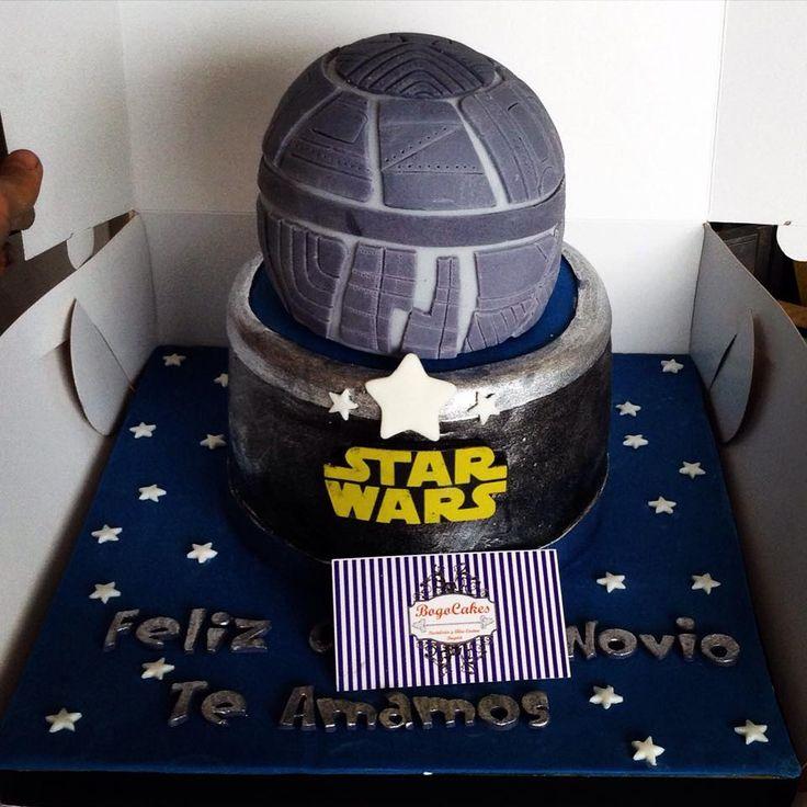 Ponqué de Star Wars de Bogocake FB: https://www.facebook.com/colombiancakes/photos/pb.523848014328601.-2207520000.1435539476./871184756261590/?type=3&theater