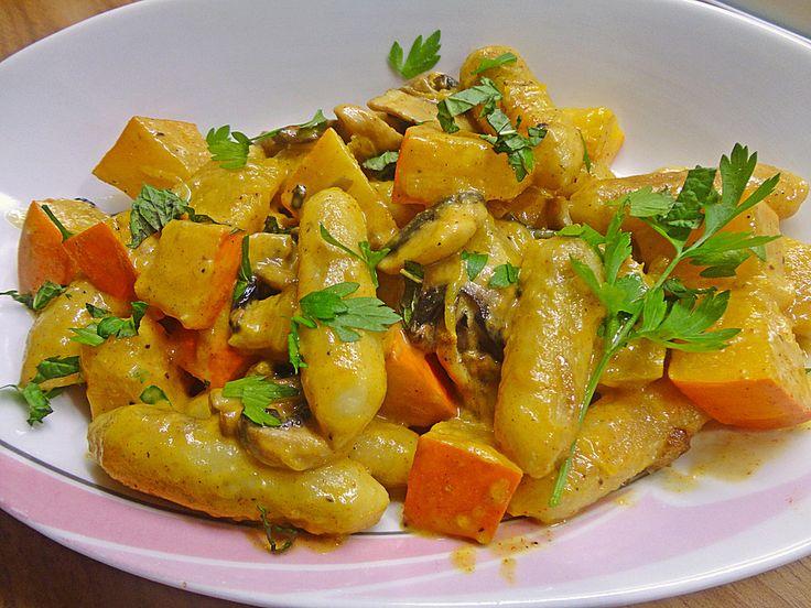 Kürbispfanne mit Schupfnudeln, ein raffiniertes Rezept aus der Kategorie Gemüse. Bewertungen: 39. Durchschnitt: Ø 4,0.