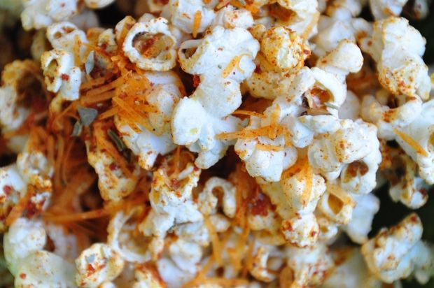Jazz up your popcorn with spices, not butter (Recipes for pizza and curry blends)