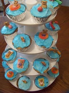Teddy graham swim cupcakes
