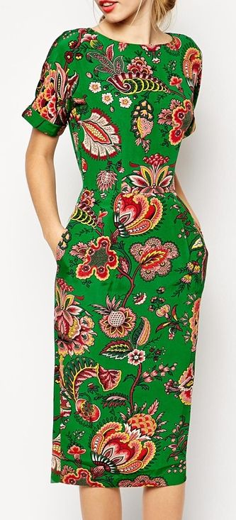 I'm not big on very vibrant big prints but this paisley dress is actually kinda cute :)