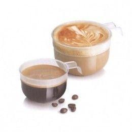 Taza de café fabricada en plástico transparente con asa. Diferentes capacidades: