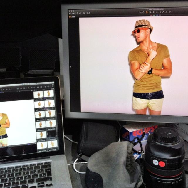Adam Senn for SUITEBLANCO. Conoces a Adam Senn? Te invitamos a descubrirlo en la producción de nuestro próximo catálogo Summer 2012