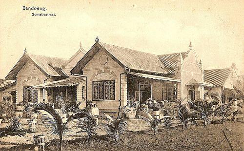 Tempo Doeloe #5 - Bandung, Sumatra Street, 1913