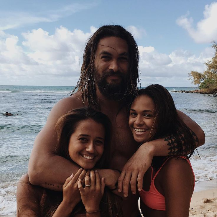 Jason Momoa Takes A Stroll With His Kids: Parents & Family In 2019