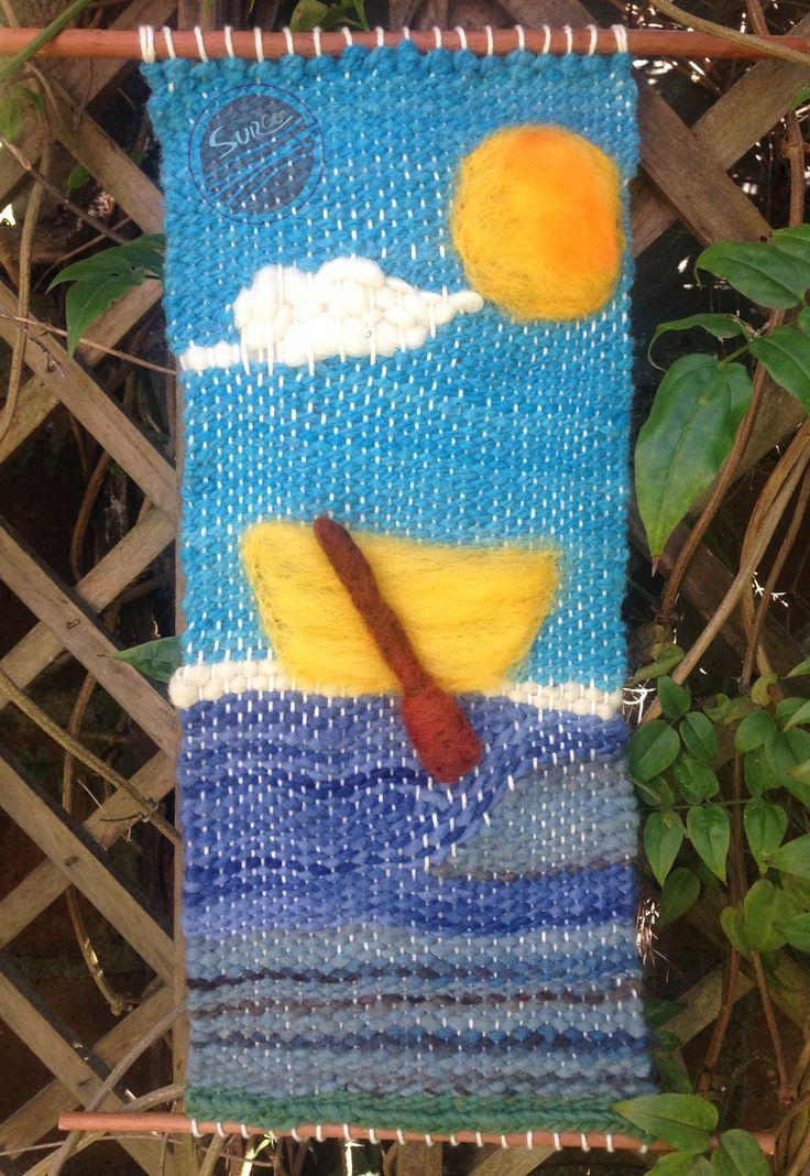 Bote solitario es un  telar decorativo elaborado con lanas 100% naturales, con aplicaciones en vellón agujado. #Telar #telares #vellón #botes #artesania