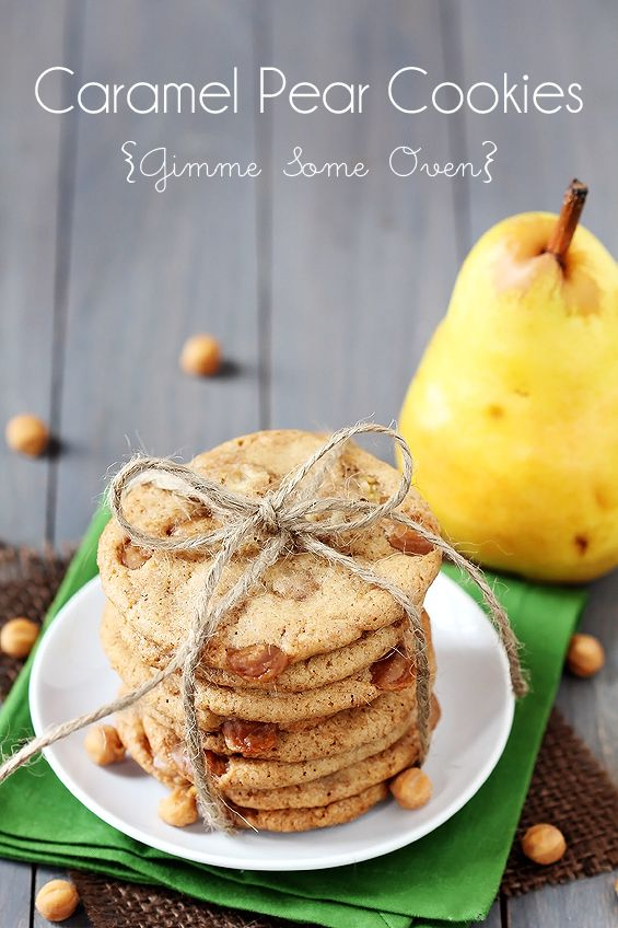 Caramel Pear Cookies | gimmesomeoven.com  Going to try with apples instead of pears