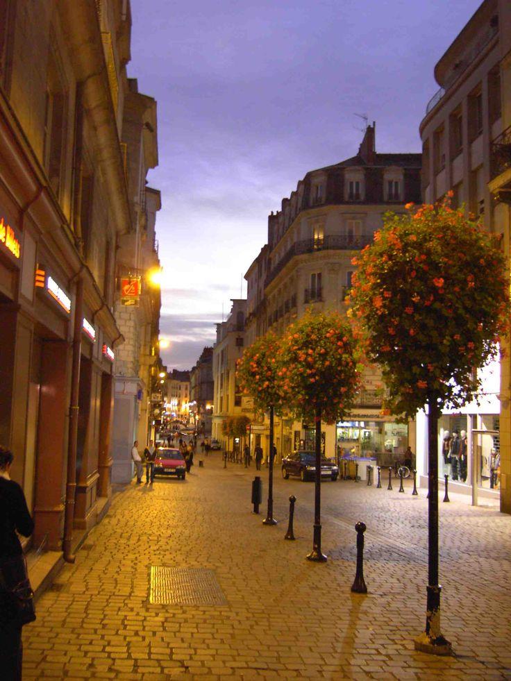 Nantes, Pays de la Loire, France  http://travideos.es/france/paris/top-videos/nantes_y_el_buen_vivir/OW72bSTT74E