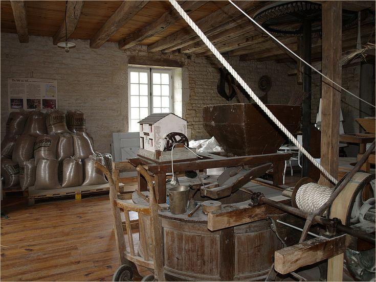 17 best ideas about moulin a eau on moulins 224 vent de papier deco bapteme and