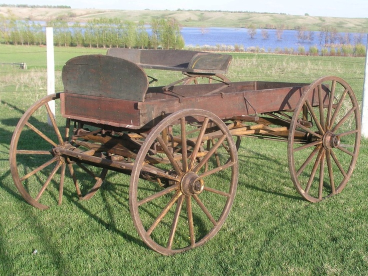 253 best western stagecoaches images on pinterest for Things to do with old wagon wheels