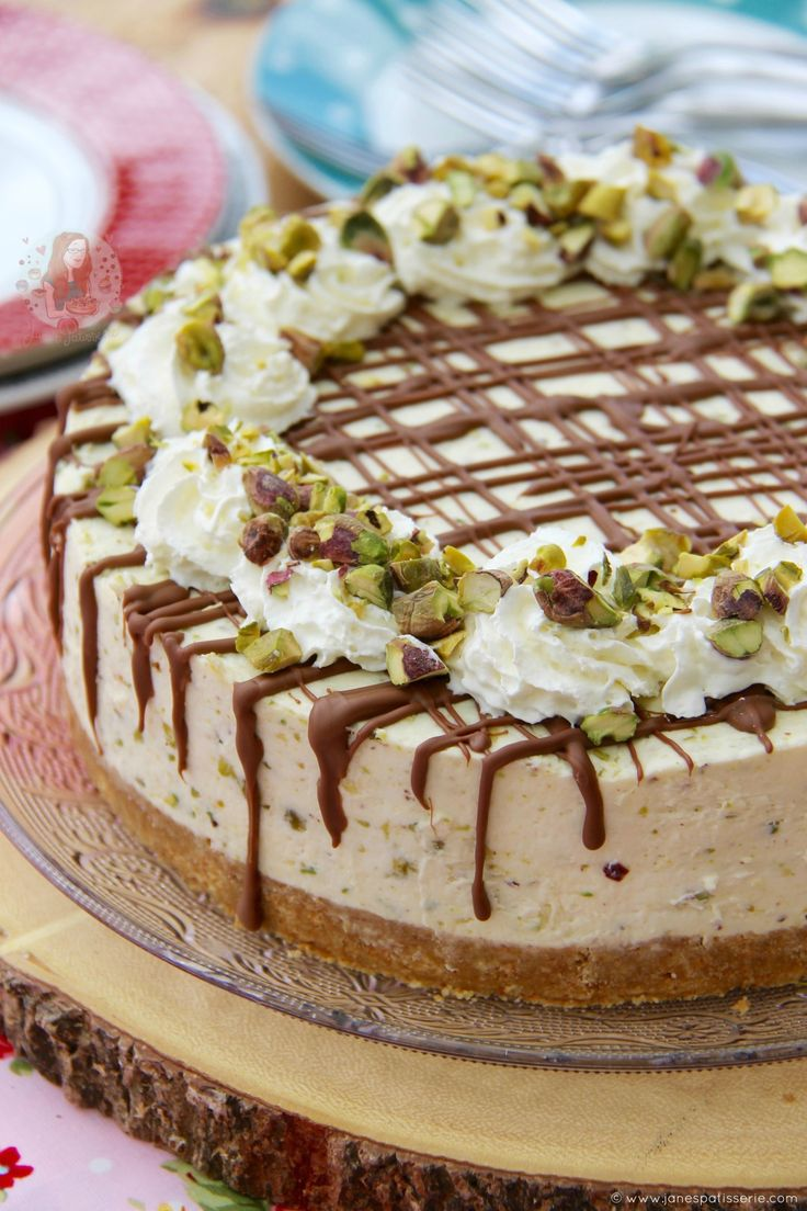 No-Bake White Chocolate Pistachio Cheesecake! ❤️ Creamy and delicious dessert for cheesecake, chocolate and nut lovers!