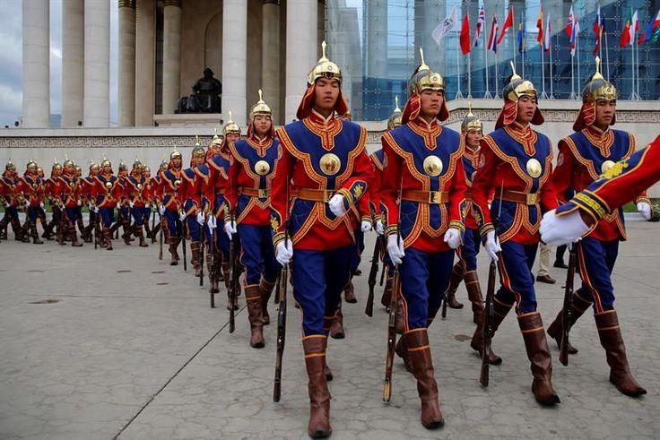 Ulán Bator (Mongolia), 14 jul (EFE).- Un importante dispositivo de seguridad y las calles semivacías evidencian que hoy no es un día normal para la capital de Mongolia, Ulán Bator, que afronta el reto de hospedar el mayor evento internacional de la historia del país.