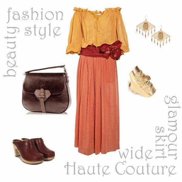 Шифоновая юбка-солнце в пол кораллового цвета в сочетании с желтой шелковой блузкой свободного покроя