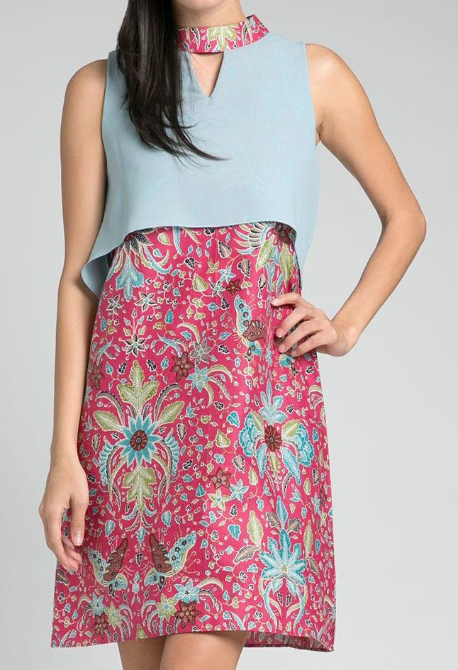 Adana Mini Dress by Batik Fractal. Sleeveless top with contrast color collar. It has zipper at back for closure. A combination of mint green and pink make this mini dress look so cute, this dress suitable for semi formal and formal occasion. http://www.zocko.com/z/JGbjP