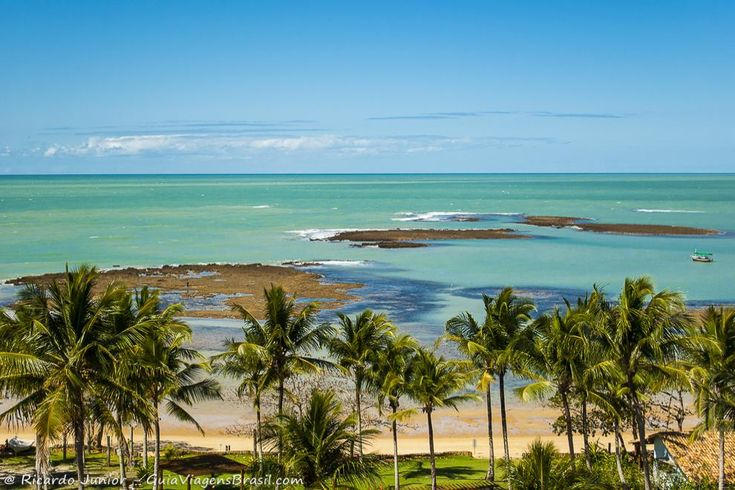 Praia do Espelho, na Bahia. Saiba mais >>> http://www.guiaviagensbrasil.com/blog/7-melhores-praias-entre-trancoso-e-arraial-dajuda/