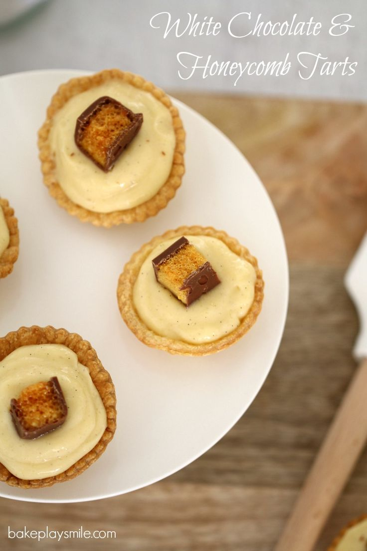 Wow your friends and family with a batch of these Honeycomb & White Chocolate Tarts – a perfectly decadent individual dessert! #honeycomb #chocolate #tarts #easy #party #food #recipe #conventional #thermomix   http://www.bakeplaysmile.com/white-chocolate-tarts/