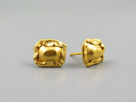 Gold stud earring, earring handmade, 24k gold earring, statement earring, geometric stud earrings, minimalist earrings gold, dainty earrings