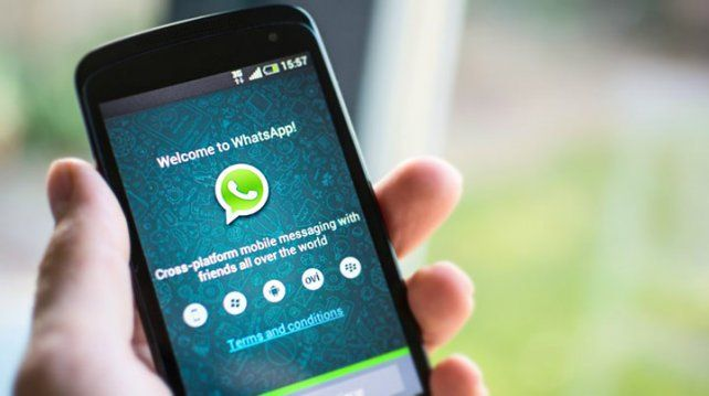 Estos son los celulares en los que dejará de funcionar WhatsApp en el 2018: BlackBerry OS, BlackBerry 10, Windows Phone 8.0 y sus versiones…