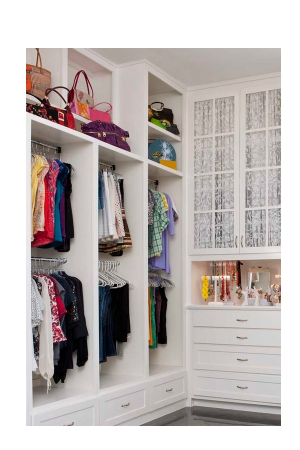 Closet para varios ni os 2 entrepa os 2 colgadores 1 for Puerta walking closet