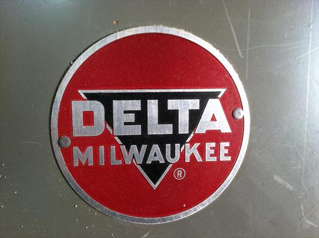 Photo Index - Delta Manufacturing Co. - Delta Milwaukee Band Saw 28-205 | VintageMachinery.org