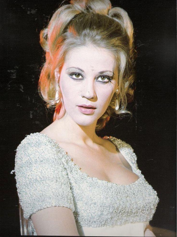 Zoe Laskari was born Zoi Kouroukli in Thessaloniki (12 December 1944).  In 1959, she won the title of Star Hellas (Miss Greece).