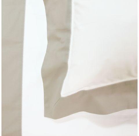 Flax/White Hemtrim Bedlinen - sourced by Ornella Botter Interiors for bedrooms.